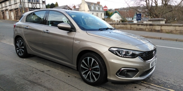 2017 (17) Fiat Tipo 1.4  Lounge Nav